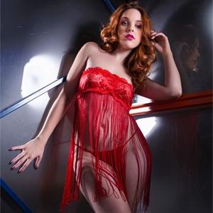 Babydoll rojo con flecos largos y tanga