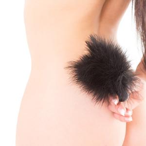 Pluma para caricias eróticas con aplicador