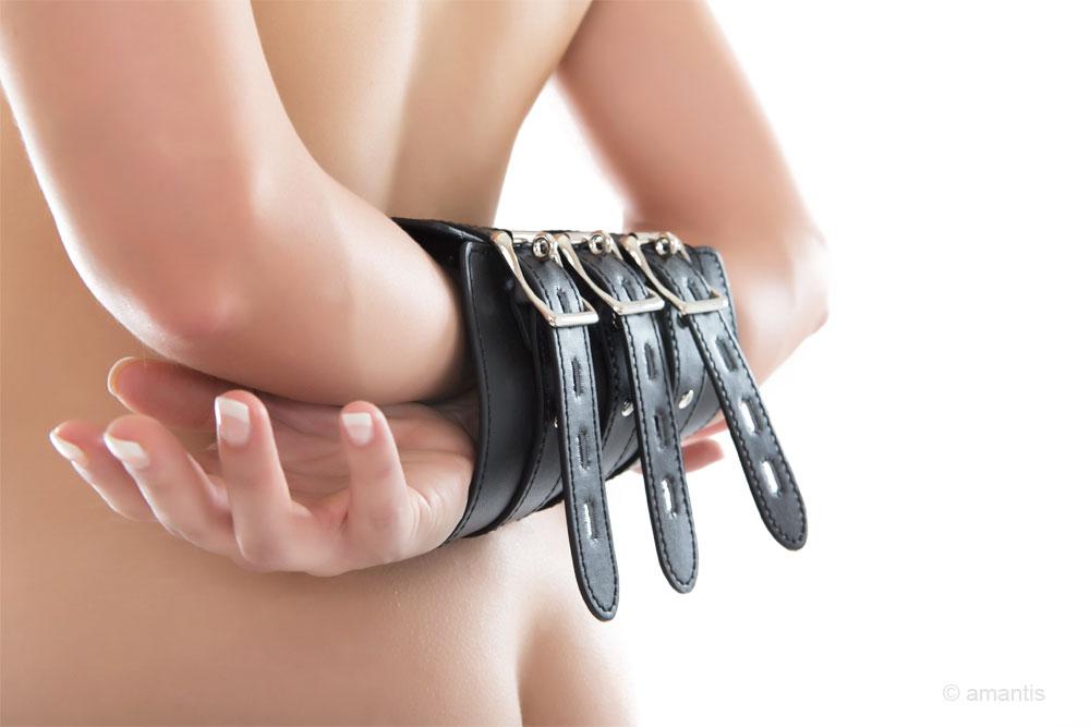 Brazalete bloqueador de antebrazos con suave interior