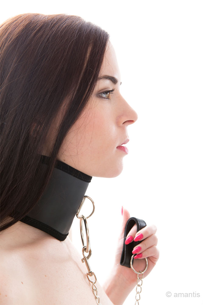 Collarín BDSM de Suave interior + Cadena con asa
