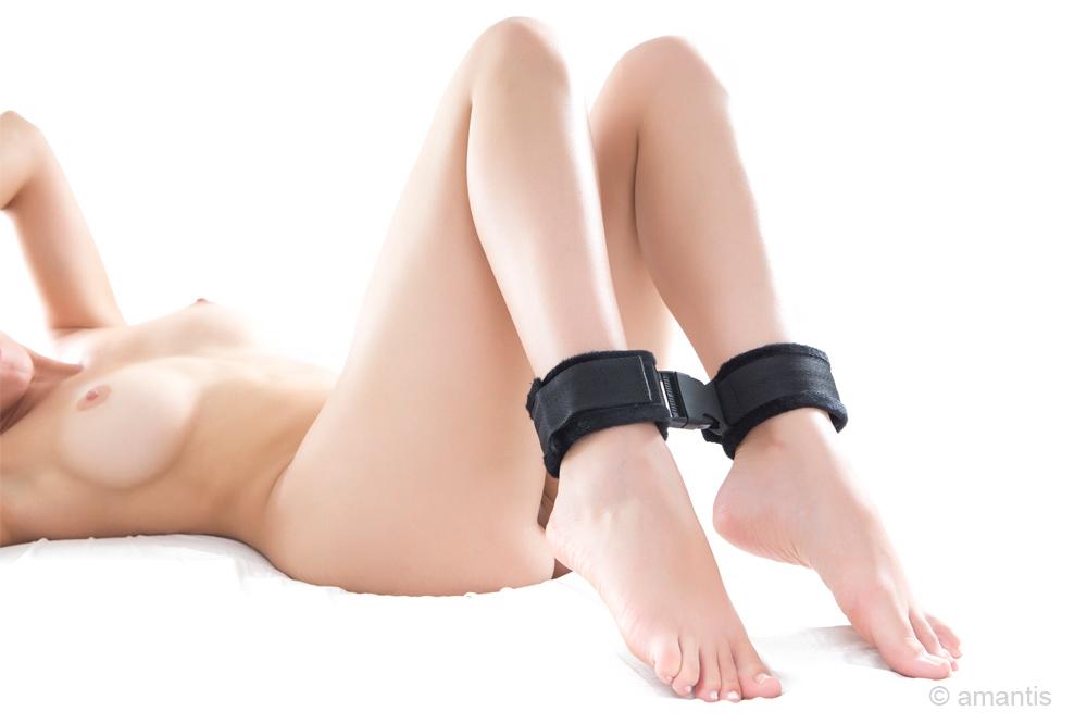 Inmovilizador y posicionador acolchado para tobillos de amantis