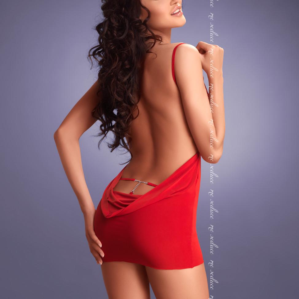 LARA, vestido de espalda drapeada con joya lumbar