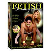 Fetish kit brilla en la oscuridad
